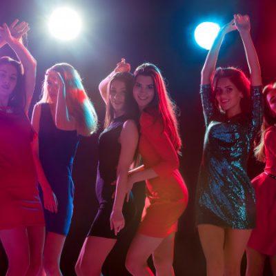 beautiful-girls-dancing-party_155003-5517
